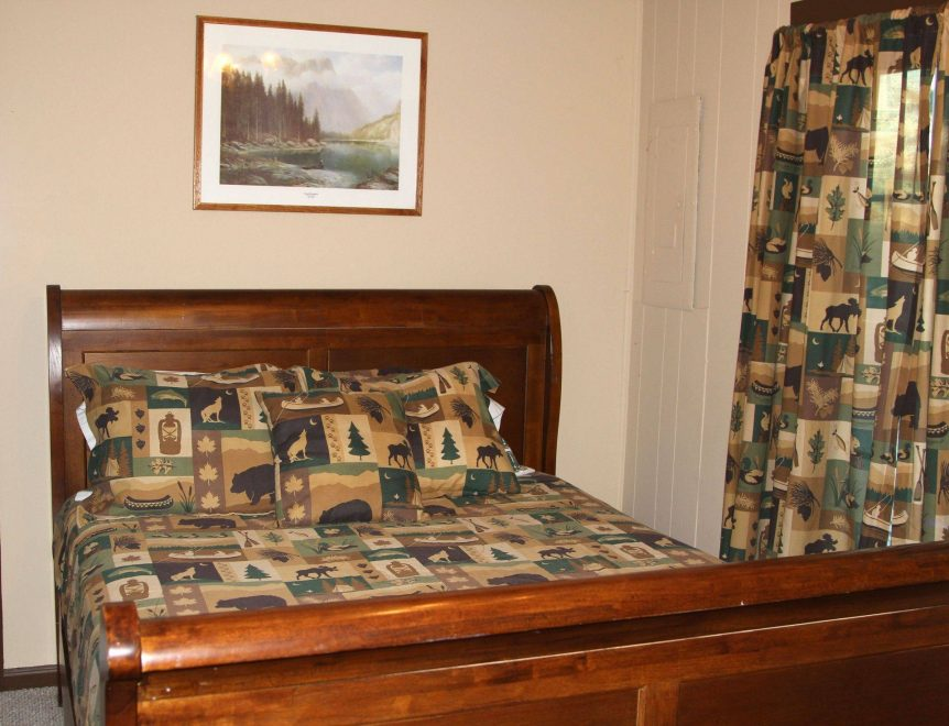 additional bedroom in Forest Glen cabin rental