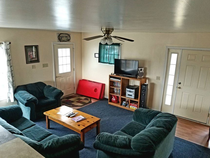 Living room at Acorn Hill cabin